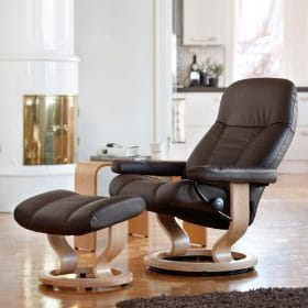 Sessel CONSUL Classic mit Hocker Leder Batick braun Gestell natur Stressless