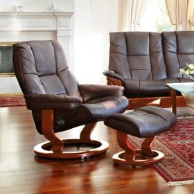Sessel MAYFAIR Classic mit Hocker Leder Cori brown Gestell braun Stressless