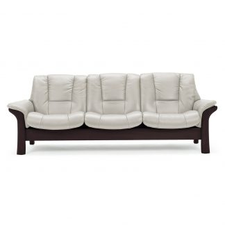 Sofa BUCKINGHAM niedrig 3-Sitzer Leder Paloma light grey Gestell wenge Stressless