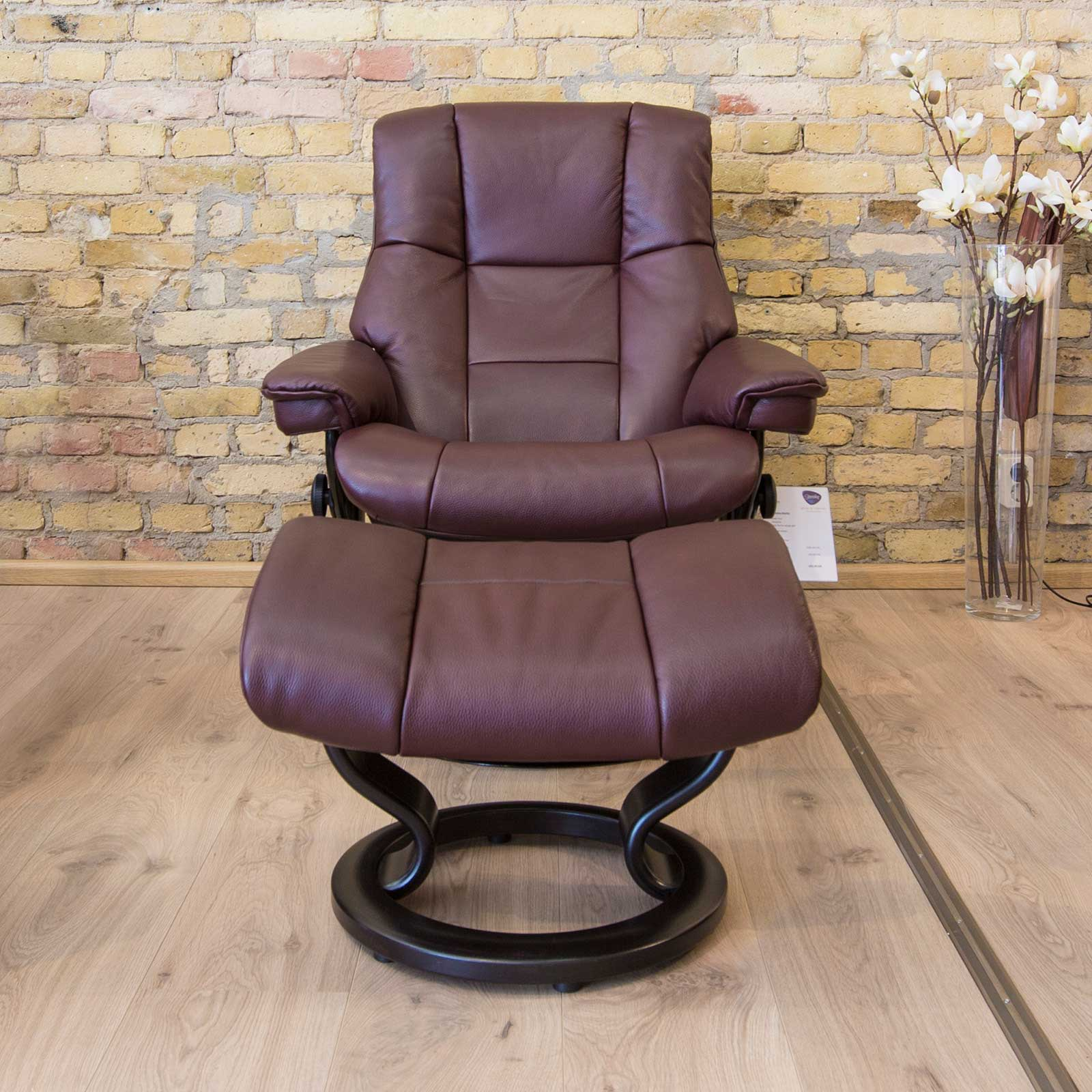 relaxsessel stressless reno cori amarone untergestell wenge mit hocker house of comfort. Black Bedroom Furniture Sets. Home Design Ideas