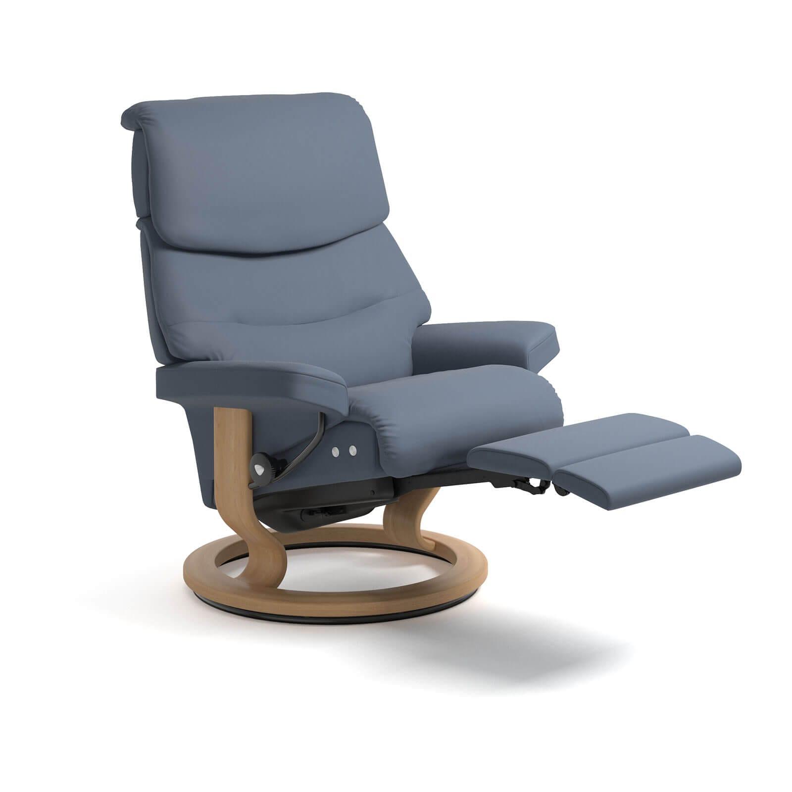 stressless capri legcomfort paloma sparrow blue stressless. Black Bedroom Furniture Sets. Home Design Ideas