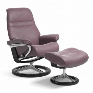 Sessel SUNRISE Signature mit Hocker Leder Paloma purple plum Gestell schwarz Stressless