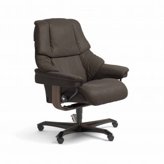 Sessel RENO Home Office Leder Batick braun Gestell walnuss mit Rollen Stressless