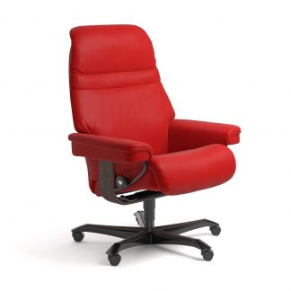 Stressless Sessel SUNRISE mit Lederbezug Batick chilli red und Home Office wenge mit Rollen
