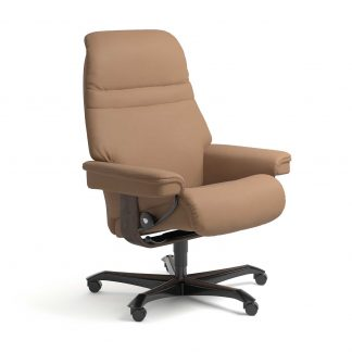Stressless Sessel SUNRISE mit Lederbezug Batick latte und Home Office wenge mit Rollen