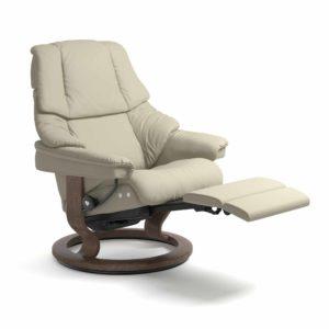 Stressless Sessel RENO LegComfort mit Lederbezug Paloma light grey und Classic Untergestell walnuss integrierte Fußstütze