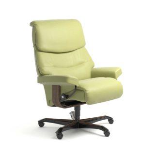 Sessel CAPRI Home Office Leder Paloma amber green Gestell walnuss mit Rollen Stressless