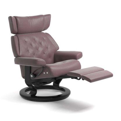 Sessel SKYLINE Classic Legcomfort Leder Paloma purple plum Gestell schwarz Stressless